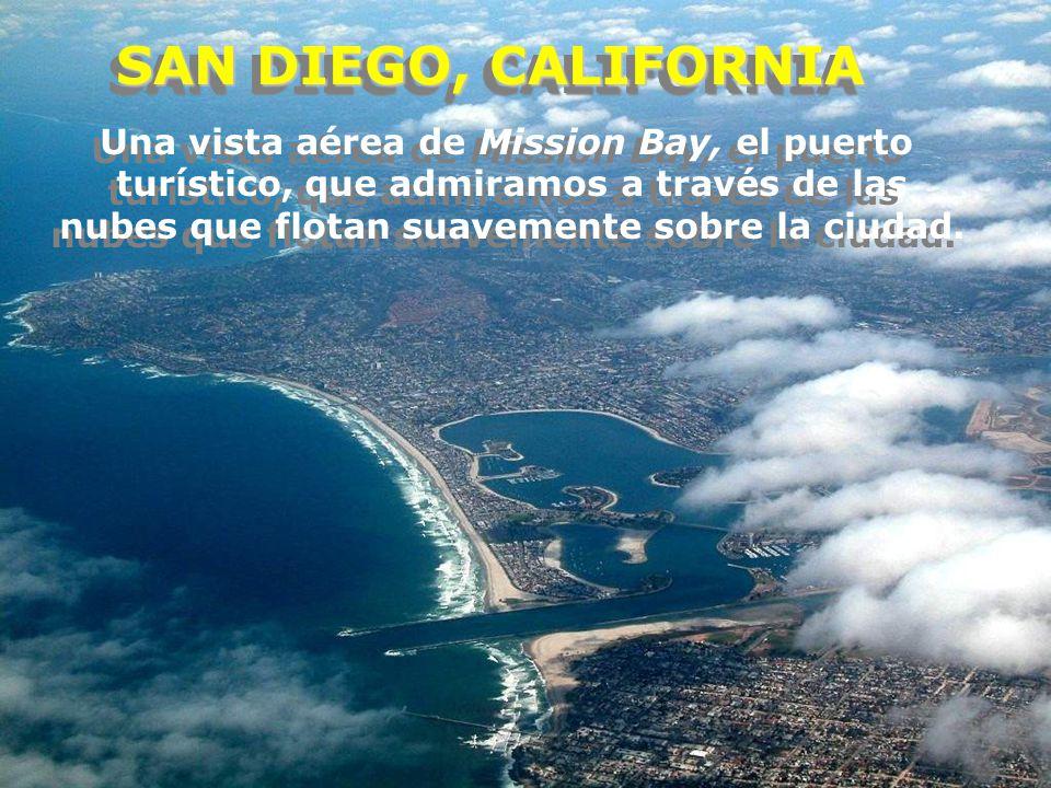 SAN DIEGO, CALIFORNIA Una vista aérea de Mission Bay, el puerto