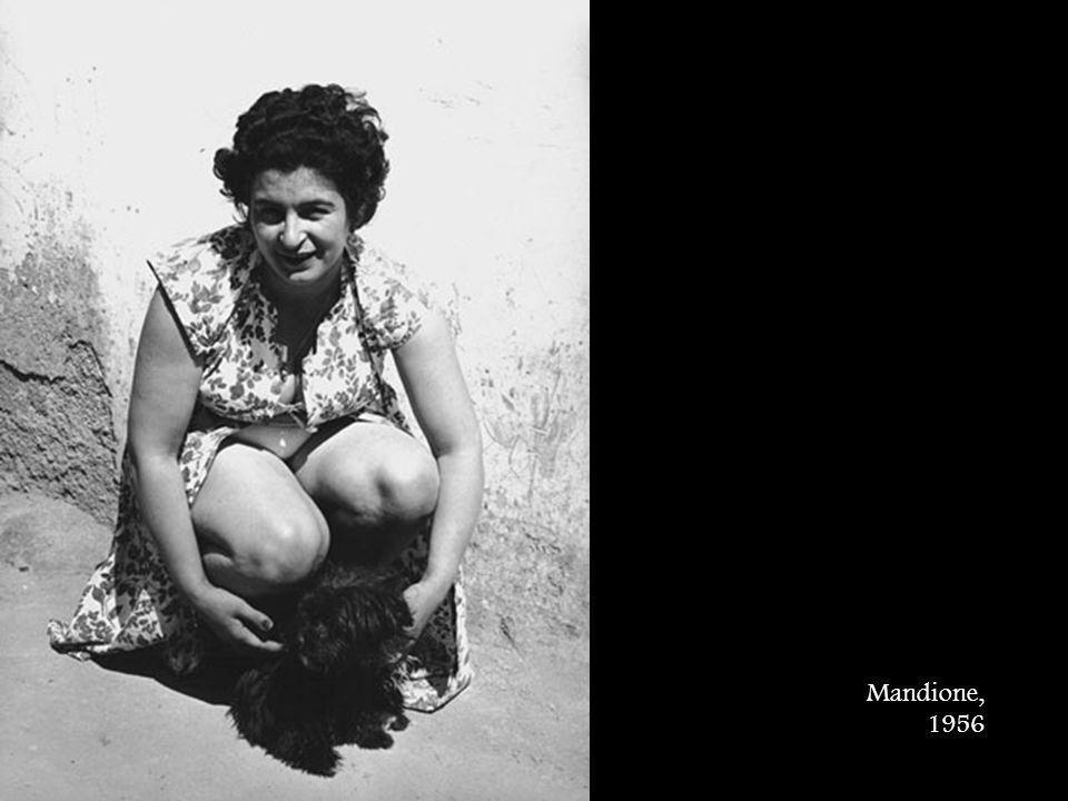 Mandione, 1956