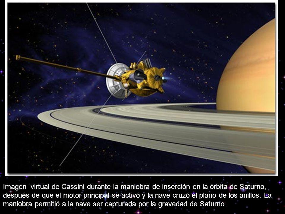 Imagen virtual de Cassini durante la maniobra de inserción en la órbita de Saturno, después de que el motor principal se activó y la nave cruzó el plano de los anillos.