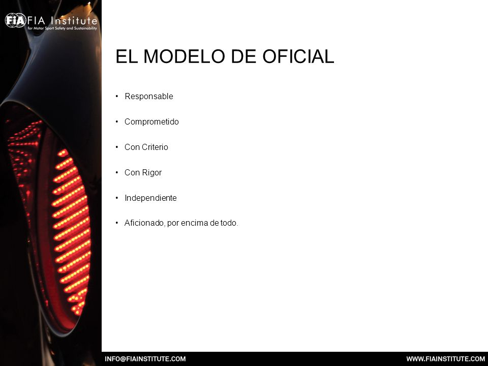 EL MODELO DE OFICIAL Responsable Comprometido Con Criterio Con Rigor