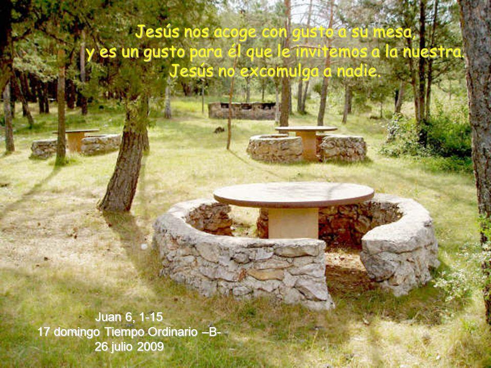 Jesús nos acoge con gusto a su mesa,