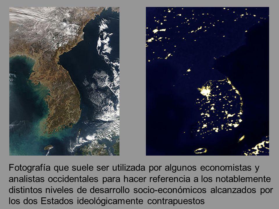 Fotografía que suele ser utilizada por algunos economistas y analistas occidentales para hacer referencia a los notablemente distintos niveles de desarrollo socio-económicos alcanzados por los dos Estados ideológicamente contrapuestos