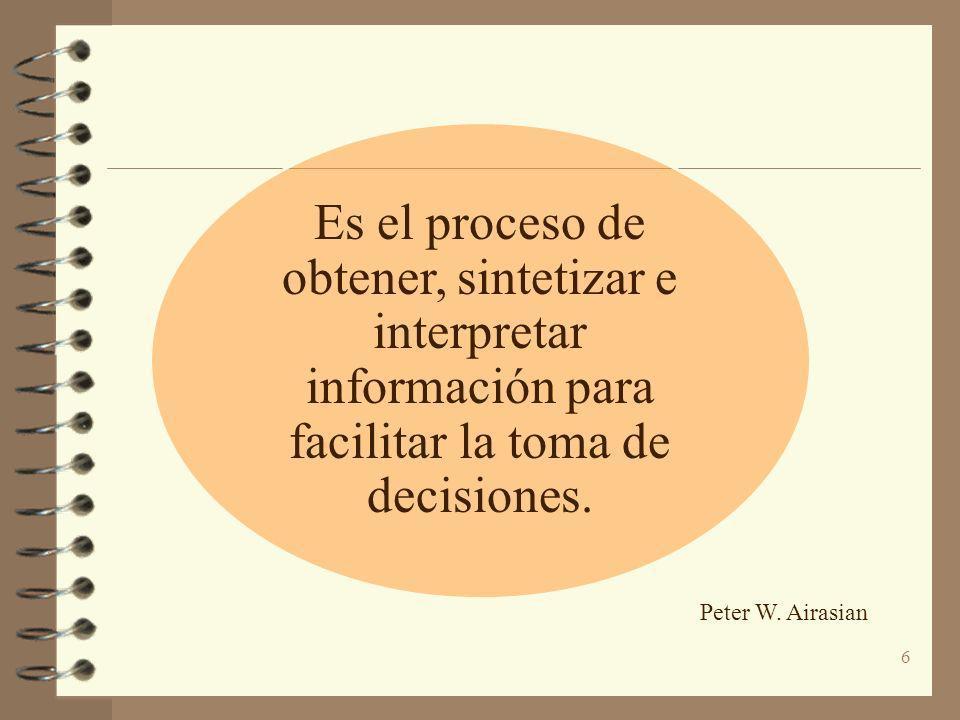 Es el proceso de obtener, sintetizar e interpretar información para facilitar la toma de decisiones.