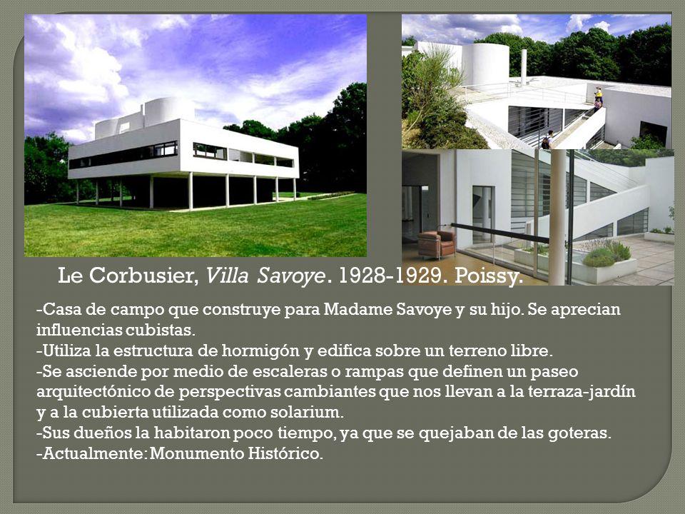 Le Corbusier, Villa Savoye. 1928-1929. Poissy.