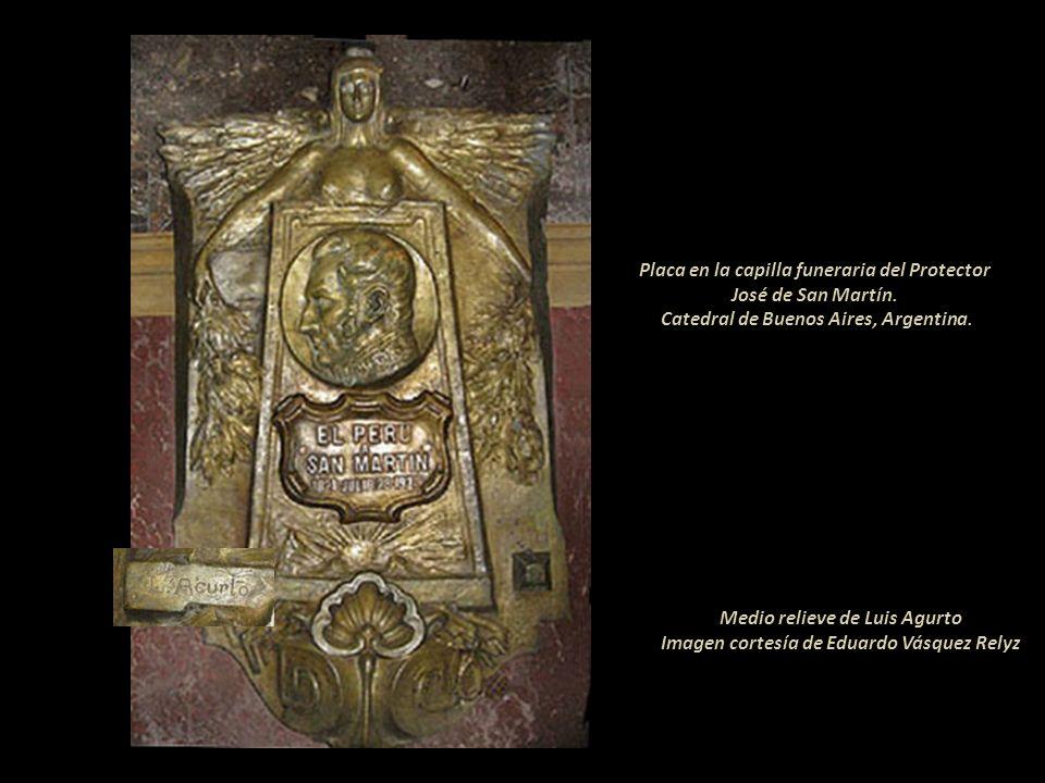 Medio relieve de Luis Agurto Imagen cortesía de Eduardo Vásquez Relyz