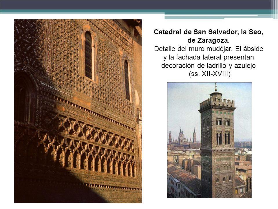 Catedral de San Salvador, la Seo, de Zaragoza.Detalle del muro mudéjar.