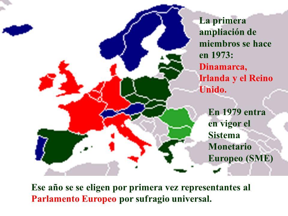 La primera ampliación de miembros se hace en 1973: Dinamarca, Irlanda y el Reino Unido.