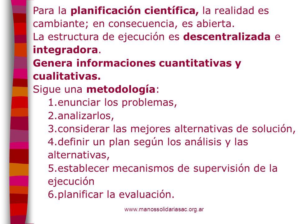 La estructura de ejecución es descentralizada e integradora.