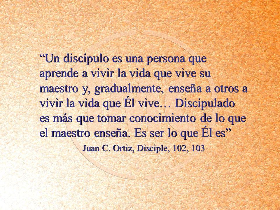 Un discípulo es una persona que aprende a vivir la vida que vive su maestro y, gradualmente, enseña a otros a vivir la vida que Él vive… Discipulado es más que tomar conocimiento de lo que el maestro enseña. Es ser lo que Él es