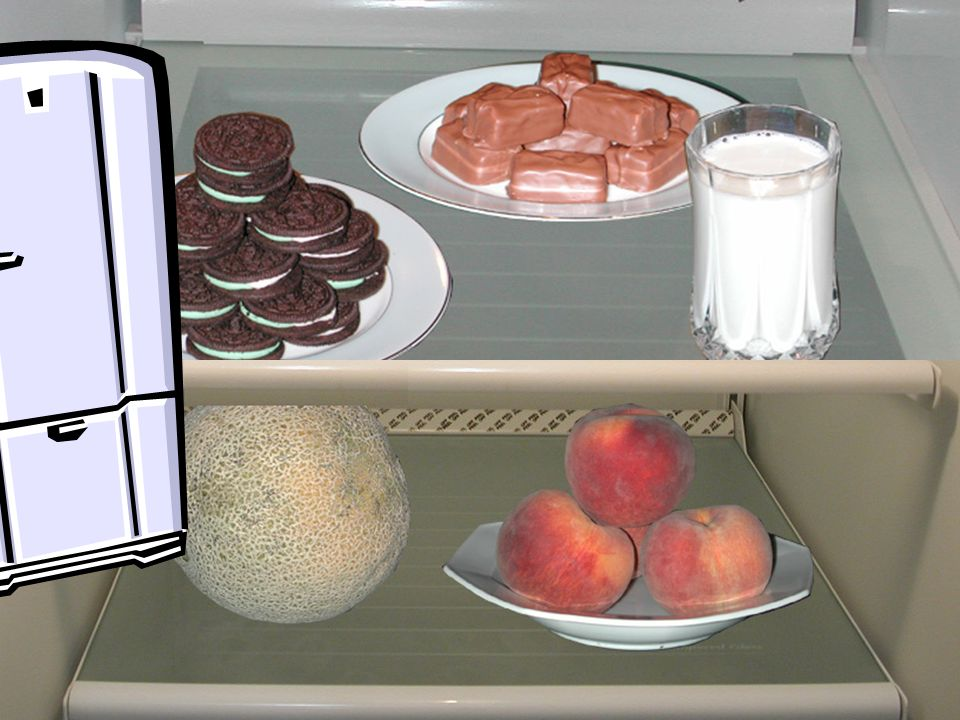 Abrimos la puerta del refrigerador y alli frente a nosotros hay algunos dulces, decimos: 'Sí, de esto se trata la vida, de hacerme sentir bien, de hacerme feliz.' Sabemos que nos van a hacer sentir bien – pero abajo hay algunas frutas.