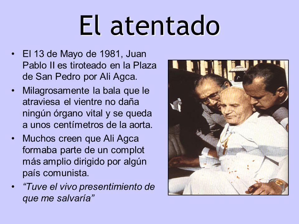 El atentado El 13 de Mayo de 1981, Juan Pablo II es tiroteado en la Plaza de San Pedro por Ali Agca.