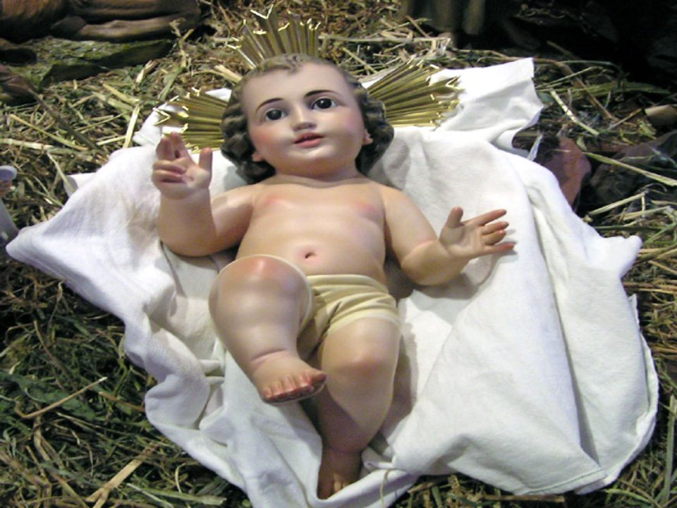 Siendo el Hijo de Dios nació en un pesebre