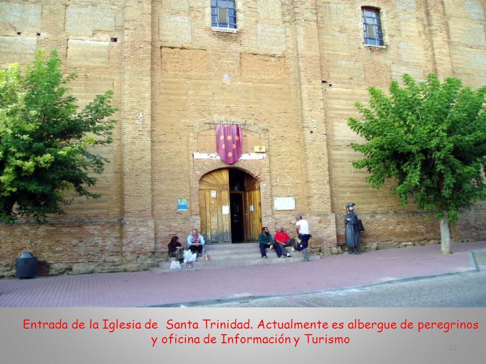 Entrada de la Iglesia de Santa Trinidad