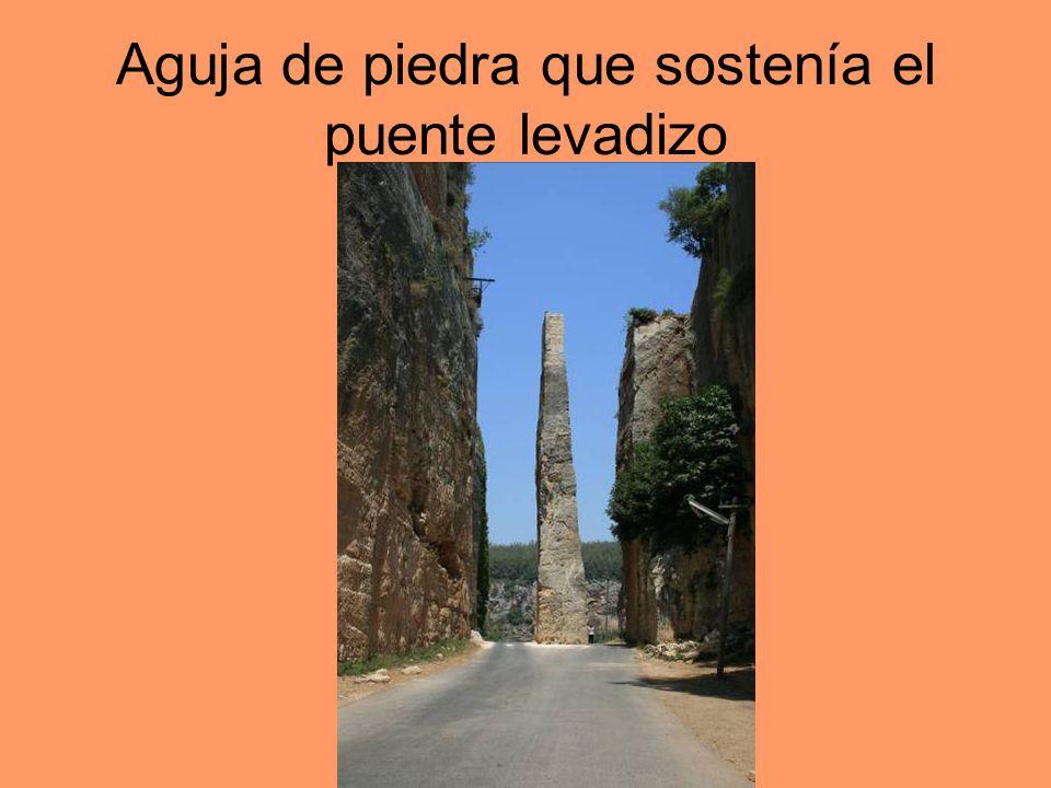 Aguja de piedra que sostenía el puente levadizo