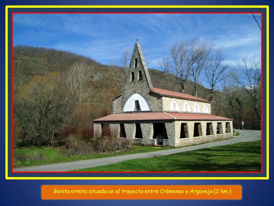 Bonita ermita situada en el trayecto entre Crémenes y Argovejo (2 km.)