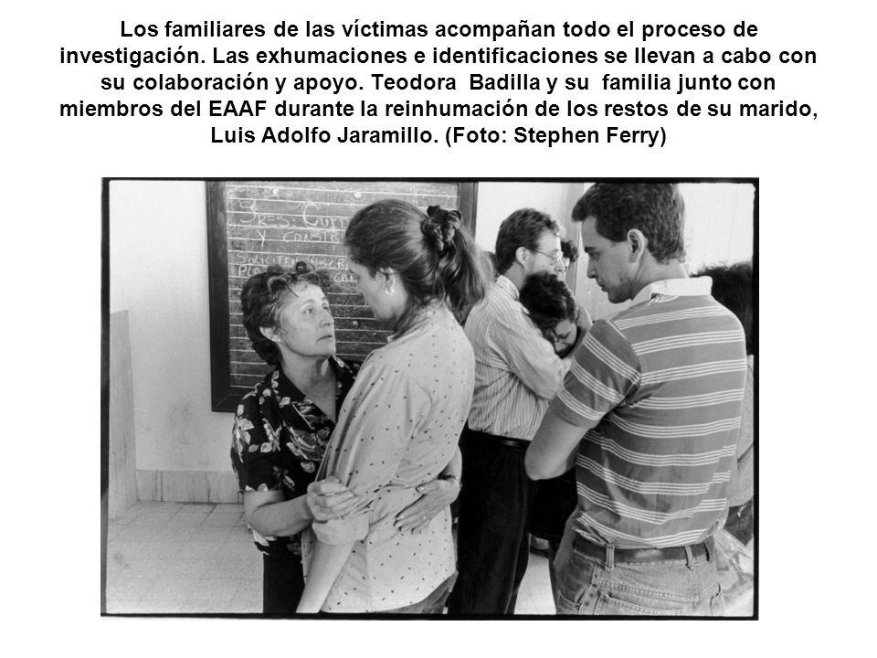 Los familiares de las víctimas acompañan todo el proceso de investigación.
