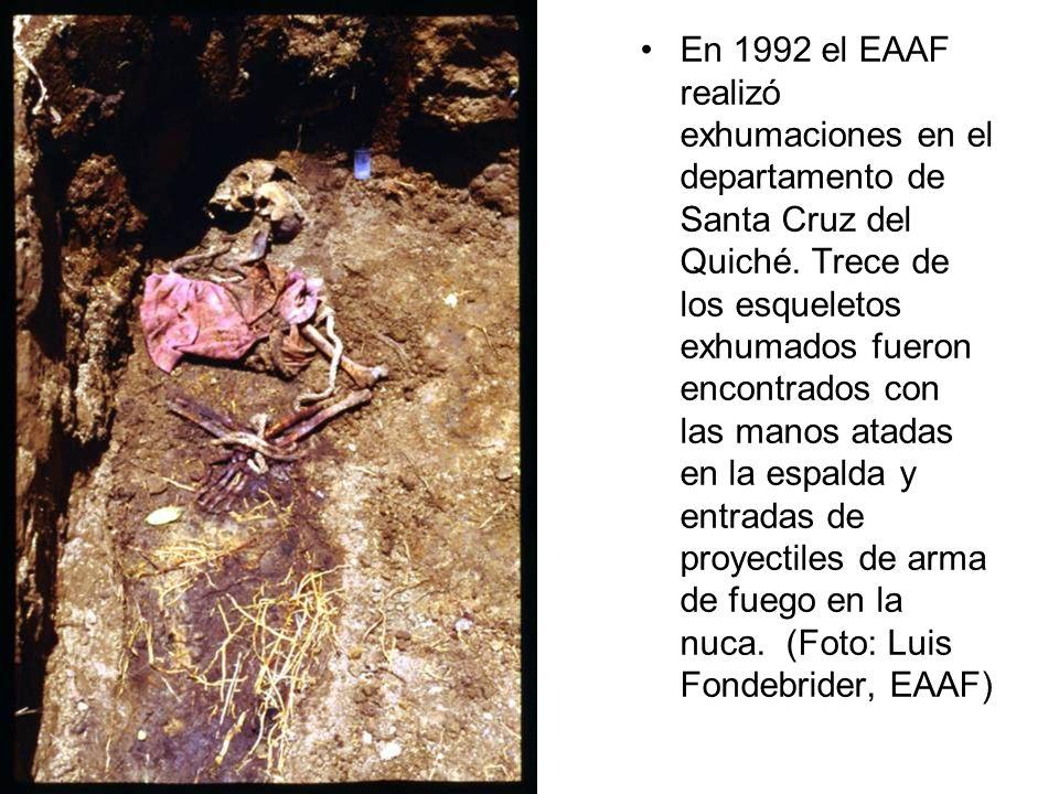 En 1992 el EAAF realizó exhumaciones en el departamento de Santa Cruz del Quiché.
