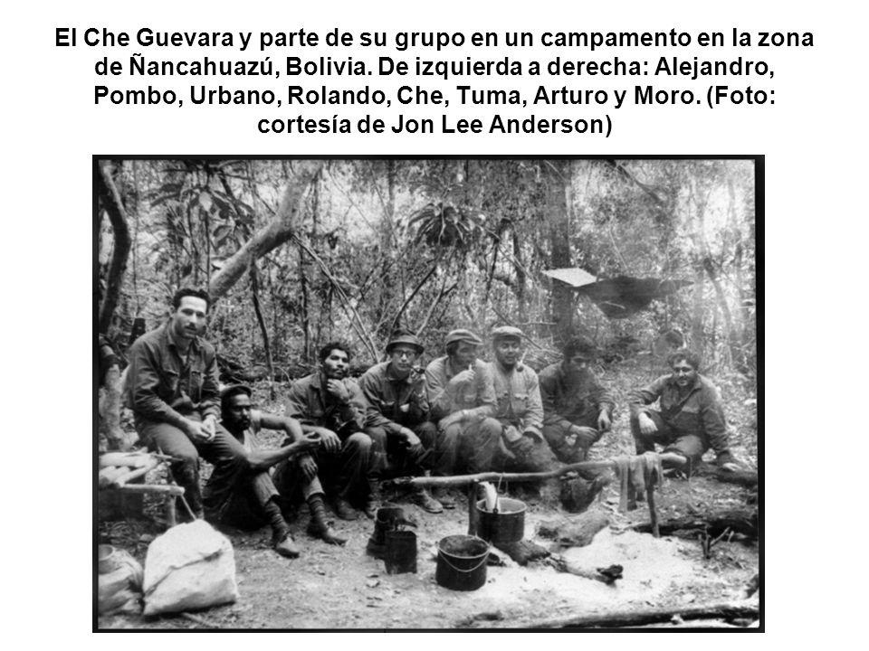 El Che Guevara y parte de su grupo en un campamento en la zona de Ñancahuazú, Bolivia.