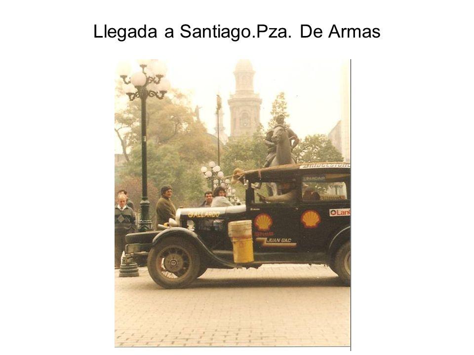 Llegada a Santiago.Pza. De Armas