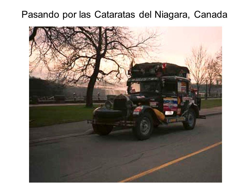 Pasando por las Cataratas del Niagara, Canada