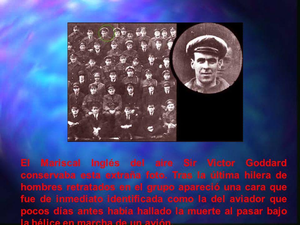 El Mariscal Inglés del aire Sir Victor Goddard conservaba esta extraña foto.