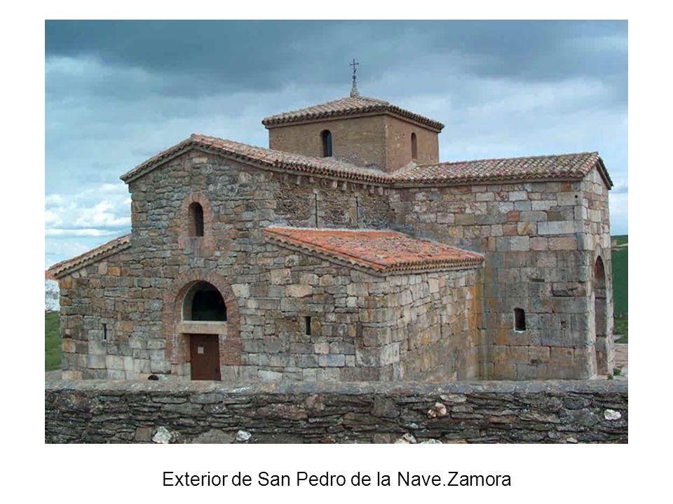 Exterior de San Pedro de la Nave.Zamora