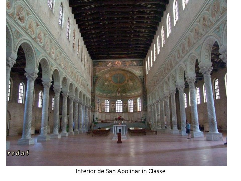 Interior de San Apolinar in Classe