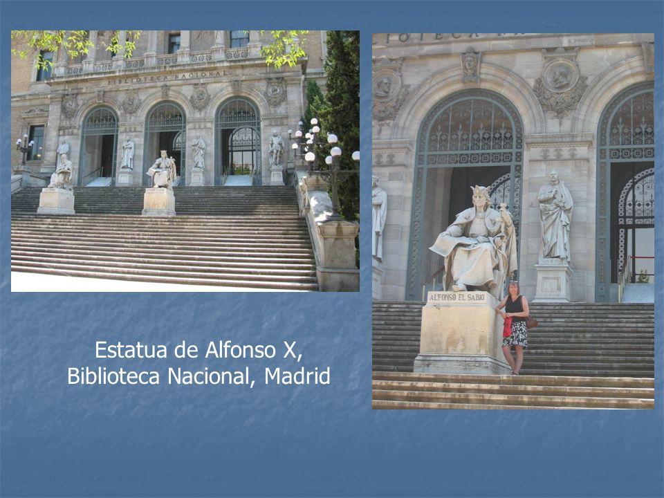 Estatua de Alfonso X, Biblioteca Nacional, Madrid