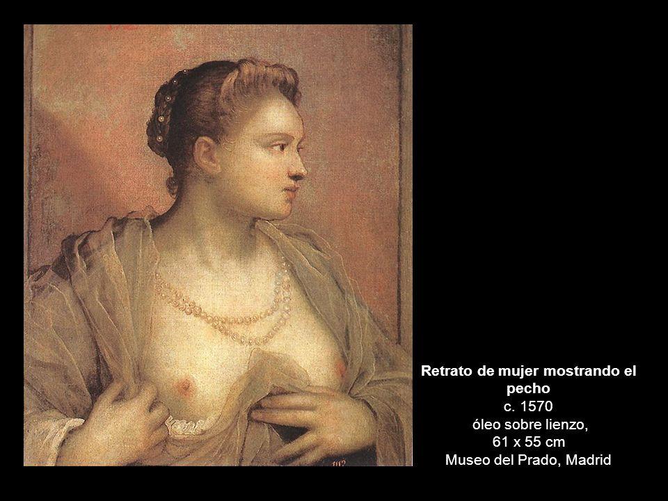 Retrato de mujer mostrando el pecho c