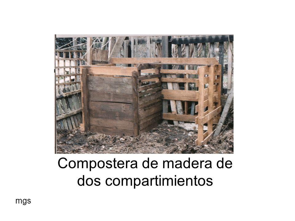 Compostera de madera de dos compartimientos