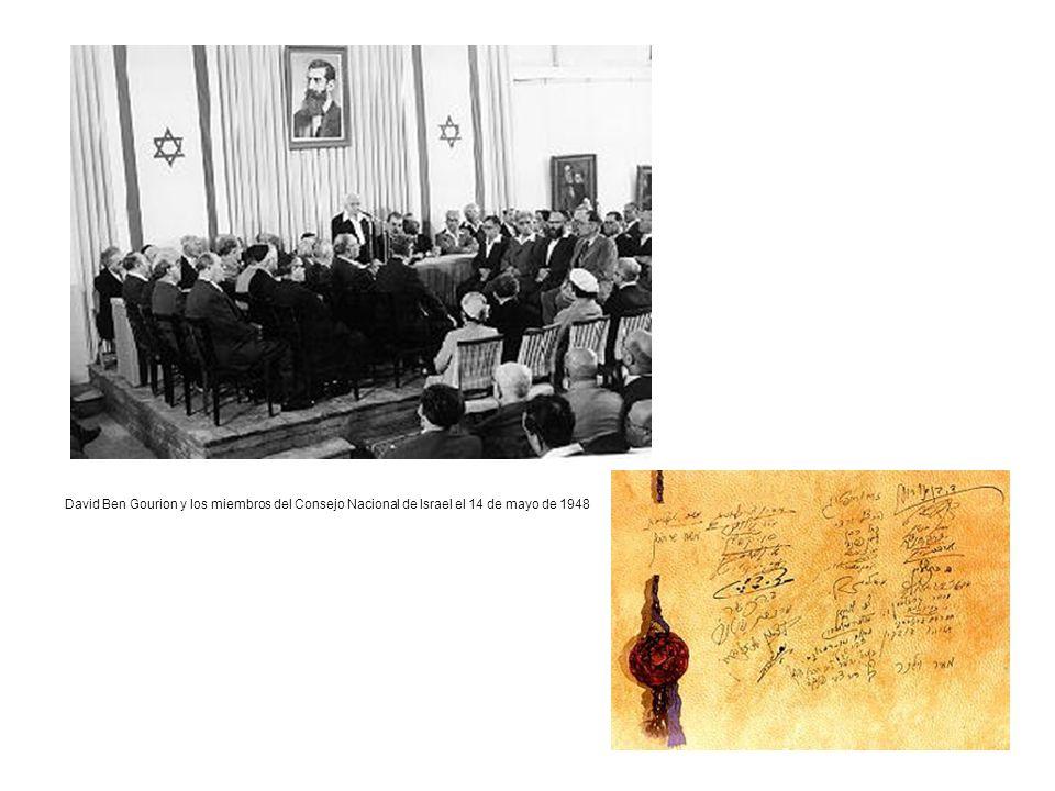 David Ben Gourion y los miembros del Consejo Nacional de Israel el 14 de mayo de 1948