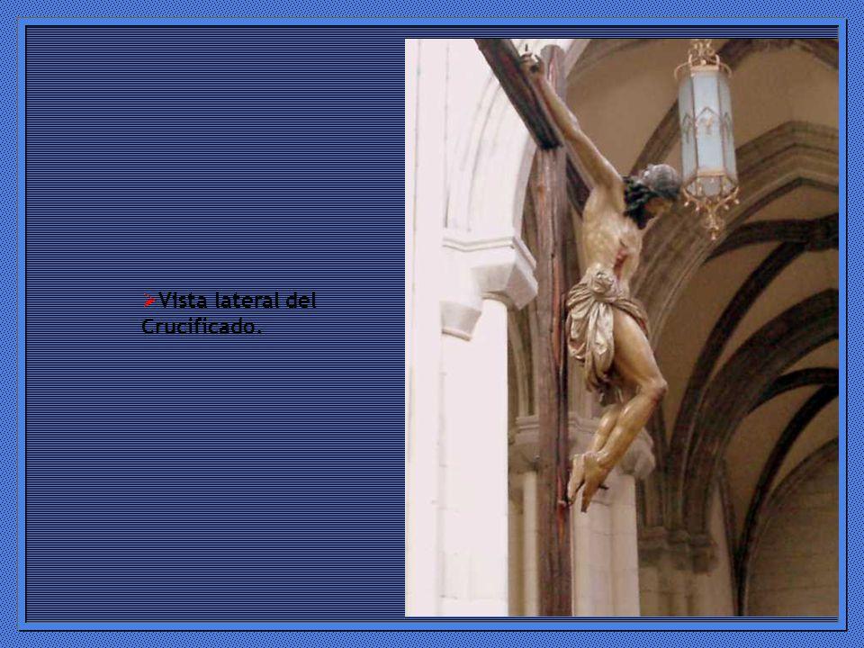 Vista lateral del Crucificado.