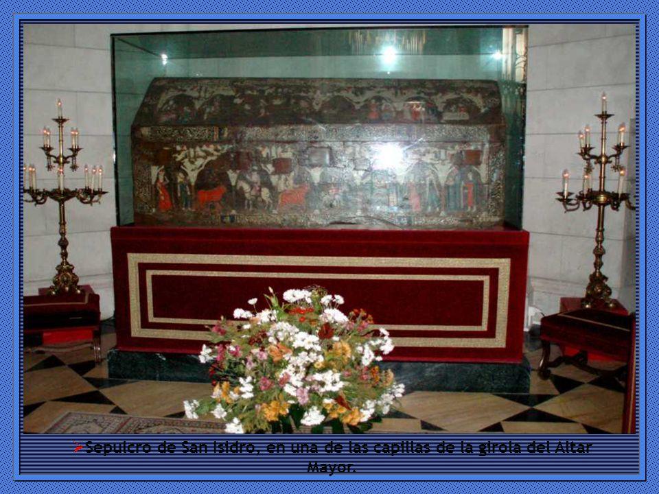 Sepulcro de San Isidro, en una de las capillas de la girola del Altar Mayor.