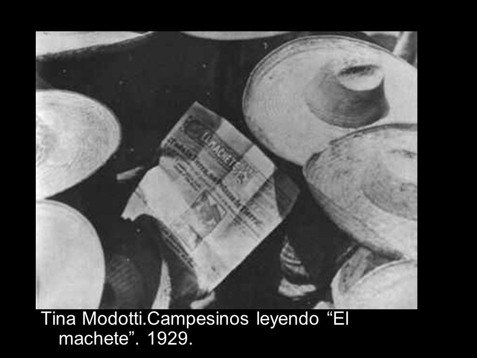 Tina Modotti.Campesinos leyendo El machete . 1929.