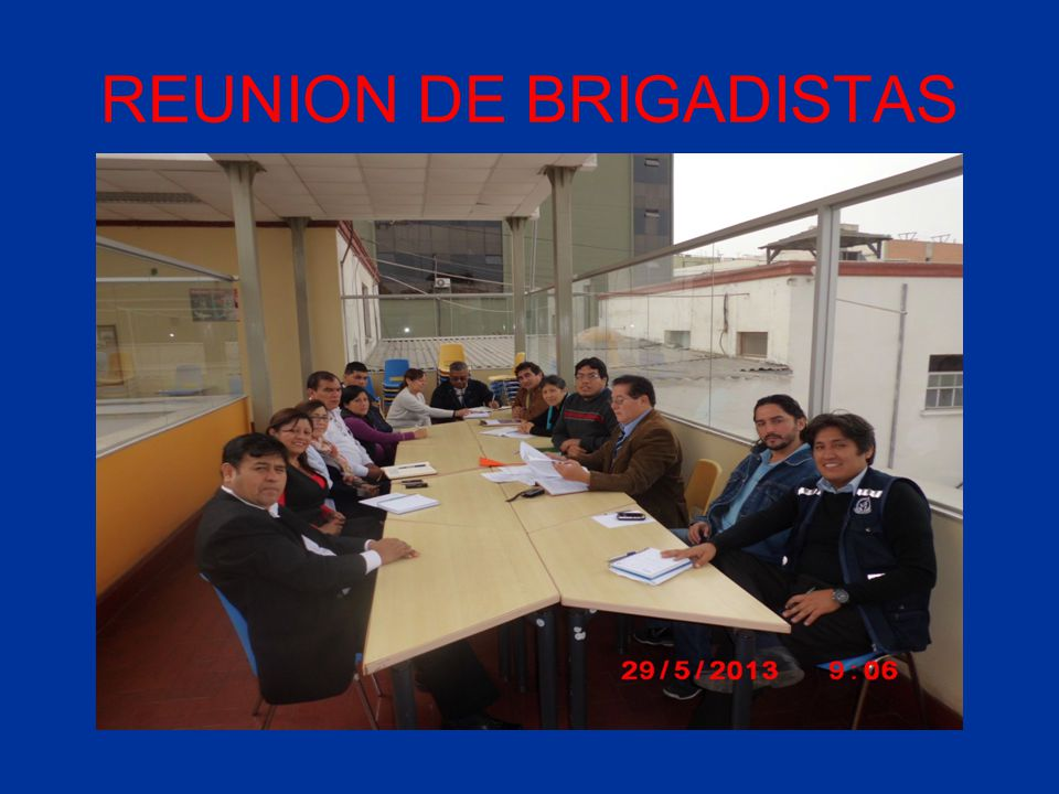 REUNION DE BRIGADISTAS