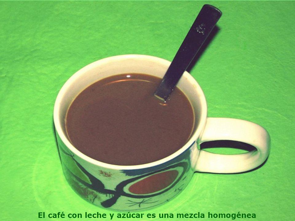 El café con leche y azúcar es una mezcla homogénea