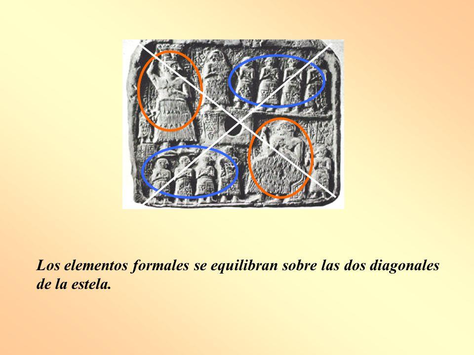 Los elementos formales se equilibran sobre las dos diagonales de la estela.