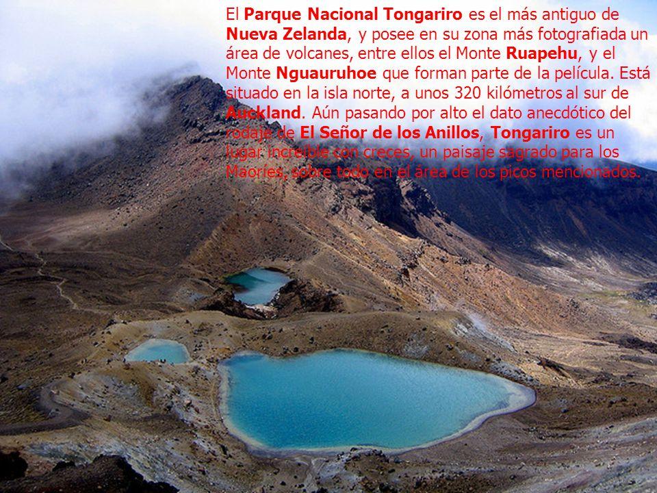 El Parque Nacional Tongariro es el más antiguo de Nueva Zelanda, y posee en su zona más fotografiada un área de volcanes, entre ellos el Monte Ruapehu, y el Monte Nguauruhoe que forman parte de la película.