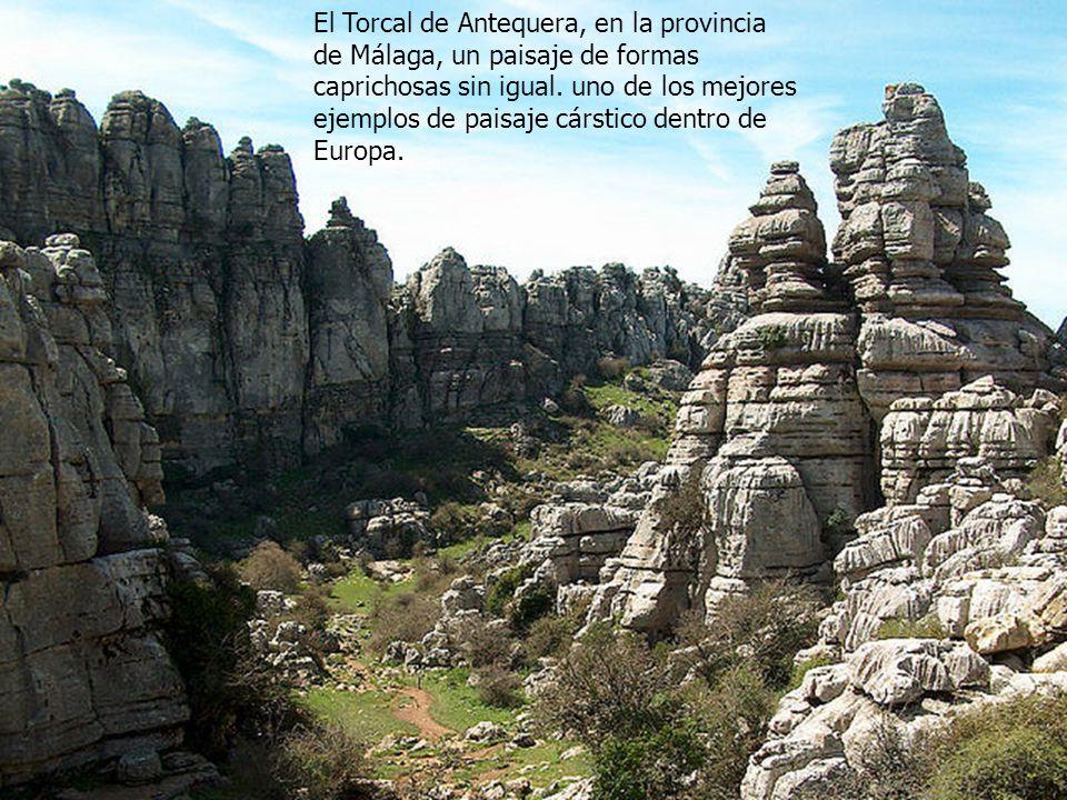El Torcal de Antequera, en la provincia de Málaga, un paisaje de formas caprichosas sin igual.