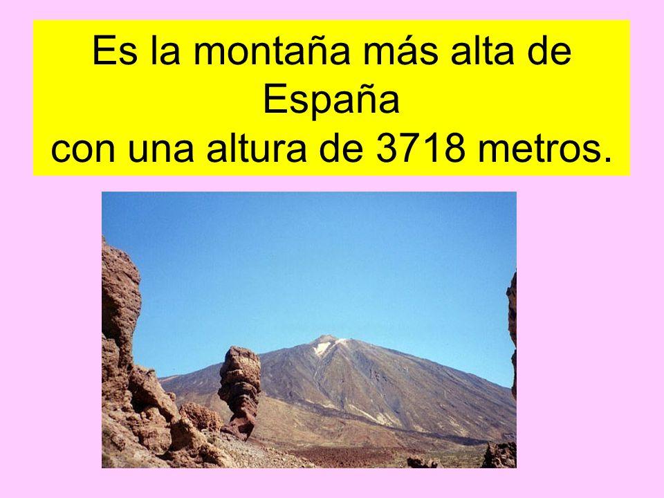 Es la montaña más alta de España con una altura de 3718 metros.