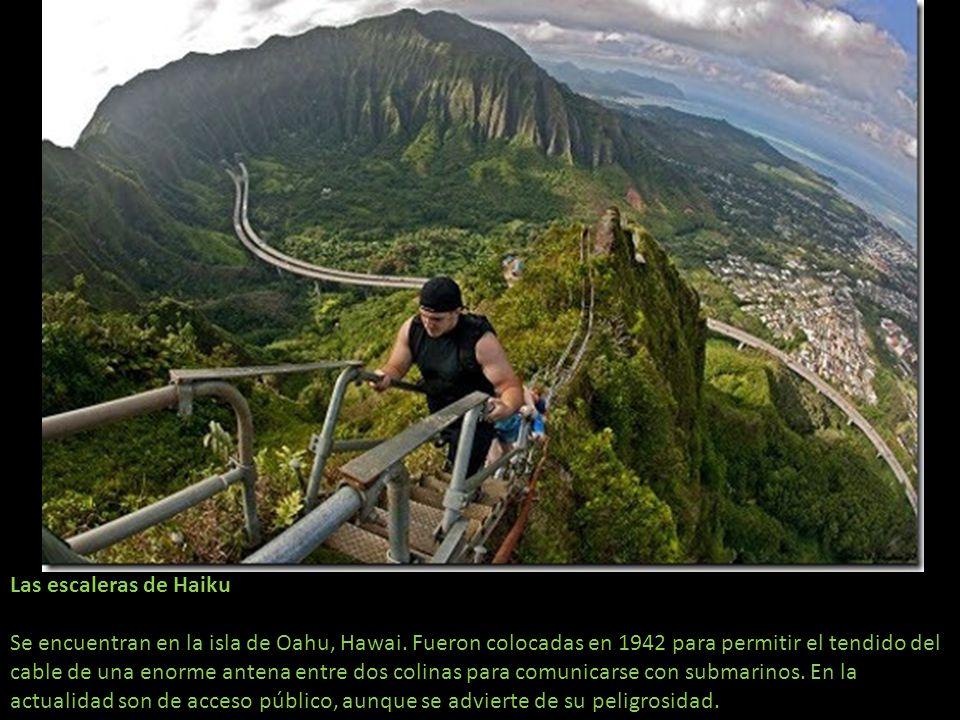 Las escaleras de Haiku Se encuentran en la isla de Oahu, Hawai
