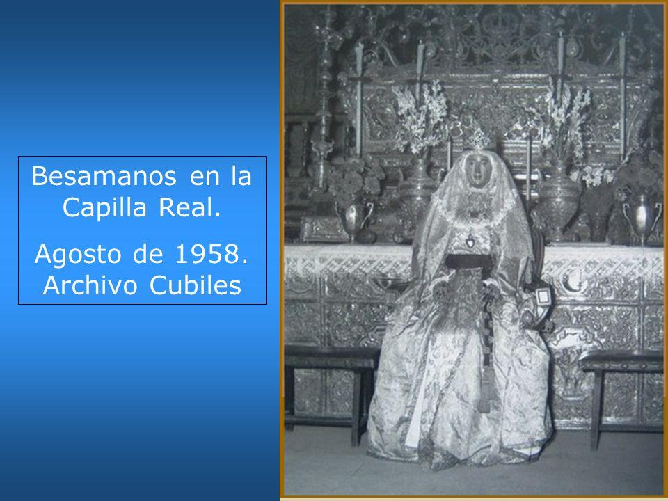 Besamanos en la Capilla Real. Agosto de 1958. Archivo Cubiles