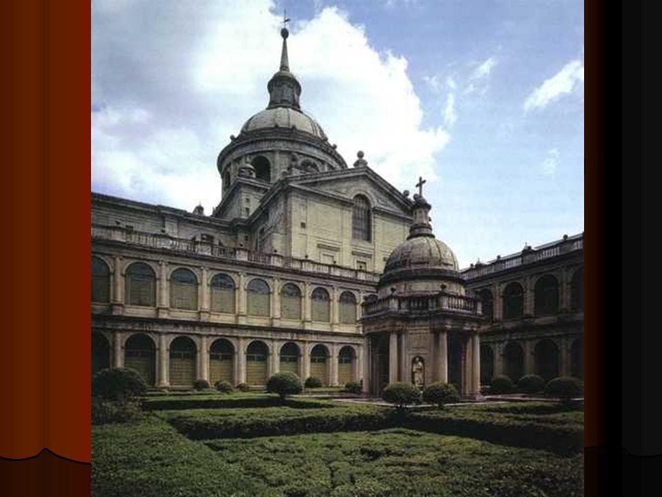 El claustro de los Evangelistas es una galería de doble piso, con semicolumnas clásicas, inspirada en los patios romanos, pero con el toque moderno que le dan su gran amplitud y la horizontalidad resultante.
