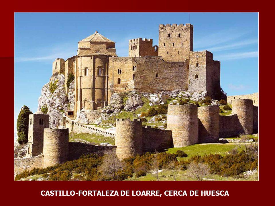 CASTILLO-FORTALEZA DE LOARRE, CERCA DE HUESCA