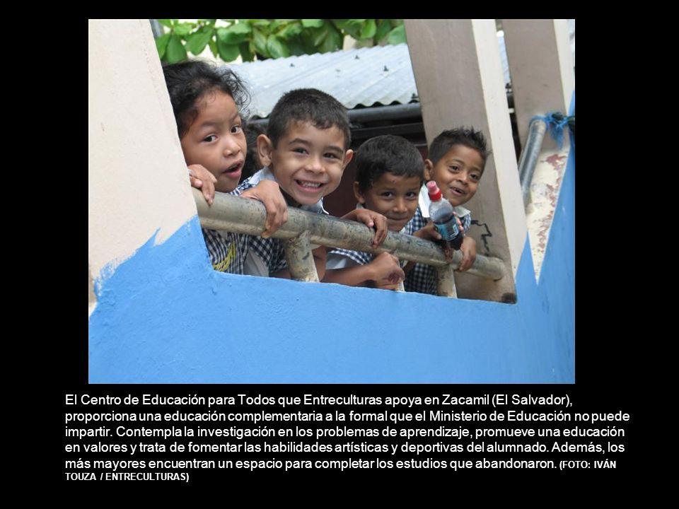 El Centro de Educación para Todos que Entreculturas apoya en Zacamil (El Salvador), proporciona una educación complementaria a la formal que el Ministerio de Educación no puede impartir.