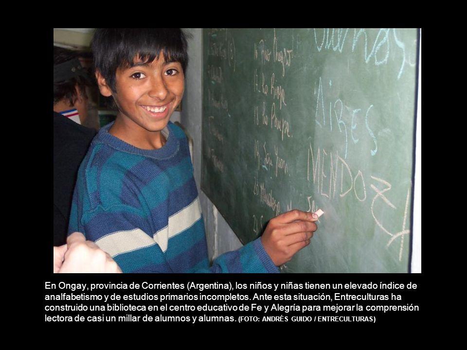 En Ongay, provincia de Corrientes (Argentina), los niños y niñas tienen un elevado índice de analfabetismo y de estudios primarios incompletos.