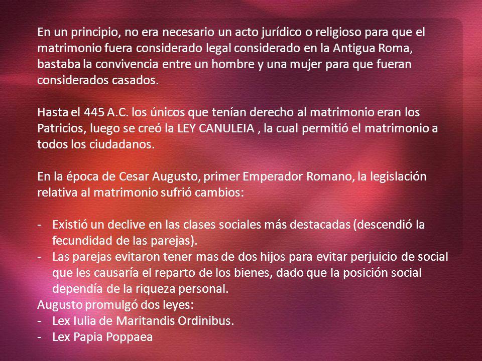 Augusto promulgó dos leyes: Lex Iulia de Maritandis Ordinibus.