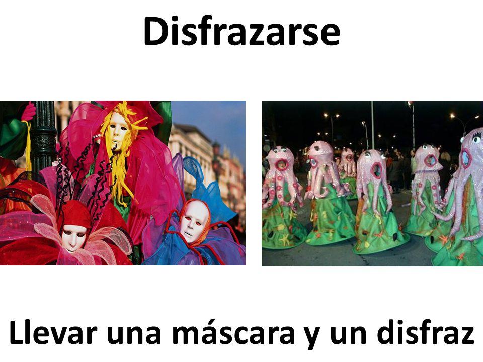 Llevar una máscara y un disfraz