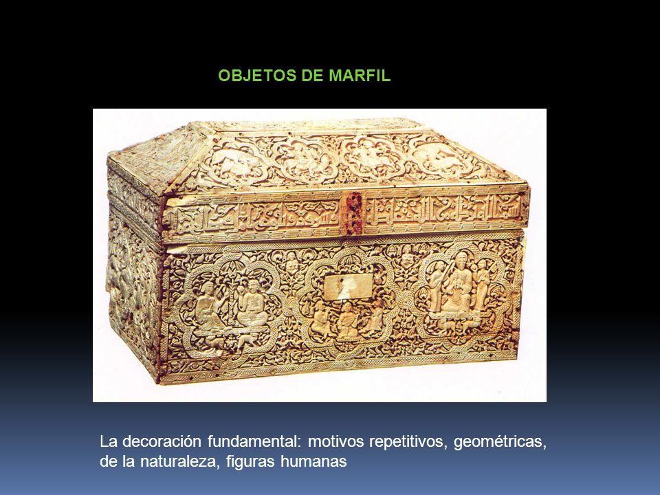 OBJETOS DE MARFILLa decoración fundamental: motivos repetitivos, geométricas, de la naturaleza, figuras humanas.