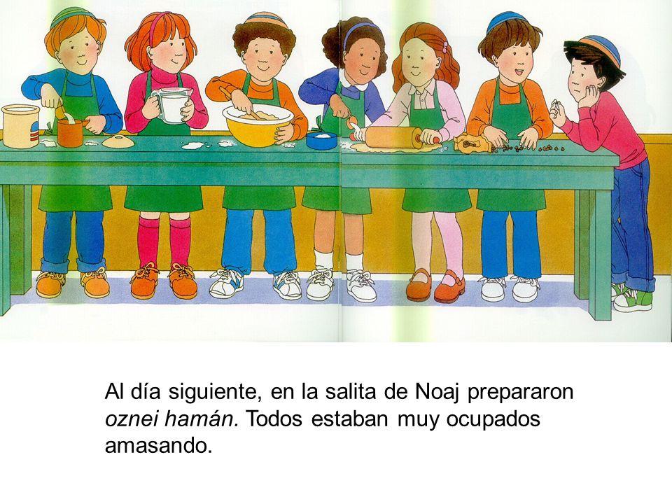 Al día siguiente en la clase de Noah prepararon oznei haman